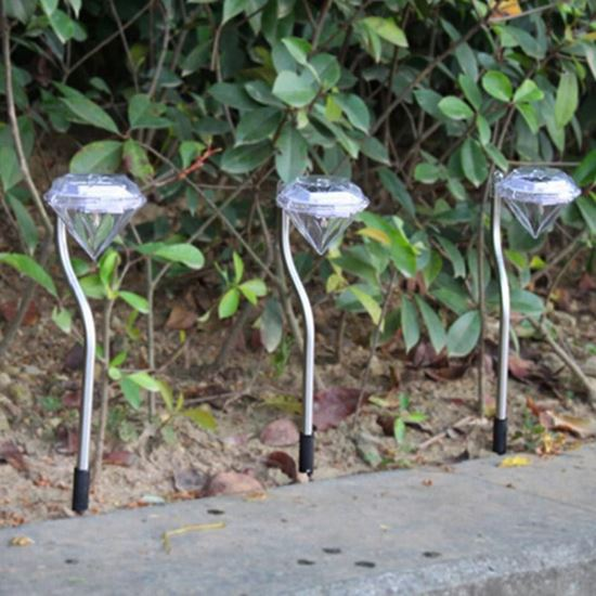صورة : اضائة بالطاقة الشمسية على شكل جوهرة